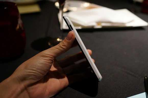 LG Nexus 4 White leaked